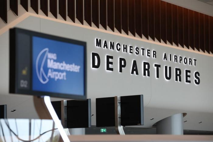 Manchester Airport calls for traffic light overhaul | News
